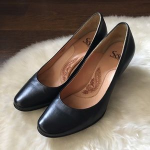 Sofft black leather heels